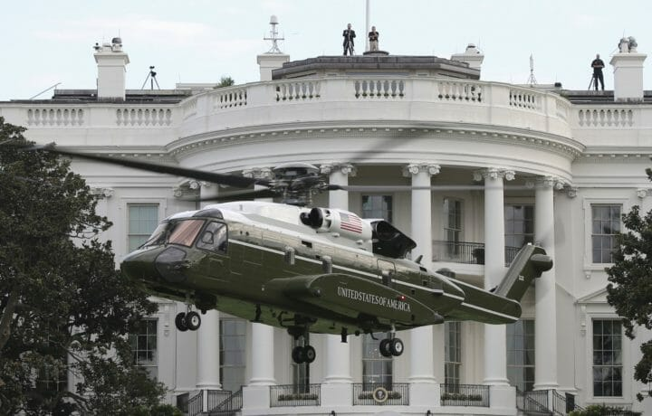 Marine One landing in front of White House